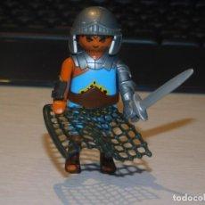 Playmobil: PLAYMOBIL *GLADIADOR ROMANO CON ESPADA Y RED* ROMA, CIRCO ROMANO .....2 FOTOS. Lote 237186510