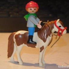 Playmobil: PLAYMOBIL *NIÑO MONTADO EN PONY* CASA VICTORIANA, MANSIÓN, ANIMALES, EQUITACIÓN ... 2 FOTOS. Lote 237187685