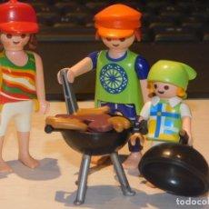 Playmobil: PLAYMOBIL *FAMILIA HACIENDO UNA BARBACOA DE HAMBURGUESAS Y SALCHICHAS* PICNIC, VERANEO, CAMPING ..... Lote 237189730