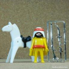 Playmobil: PLAYMOBIL BEDUINO CON CABALLO Y ARMAS CROMADAS, PRIMERA ÉPOCA ÁRABE KLICKY ESPINGARDA CIMITARRA. Lote 240562070