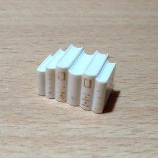 Playmobil: PLAYMOBIL LIBROS BLANCO ESTANTERIA CASA VICTORIANA CIUDAD. Lote 241991385