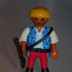 Playmobil: PLAYMOBIL FIGURA *PIRATA CON CINTA, TRABUCO Y CUCHILLO* 2 FOTOS. Lote 243879755