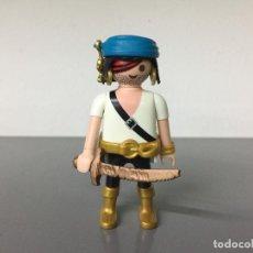 Playmobil: PLAYMOBIL PIRATA CON ESPADA TUERTO Y BOTAS DORADAS PT2. Lote 244576135