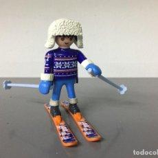 Playmobil: PLAYMOBIL CHICO DEPORTE NIEVE ESQUIADOR MANOPLAS ESQUI NAVIDAD MIX2. Lote 245070090