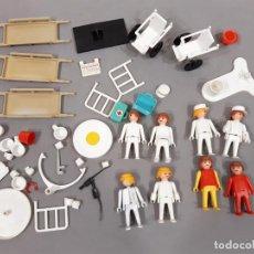 Playmobil: LOTE DE CLICKS Y ACCESORIOS DE FAMOBIL DEL HOSPITAL - NO PLAYMOBIL. Lote 245736905