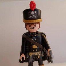 Playmobil: PLAYMOBIL HUSAR REGIMIENTO BRUNSWICK TOTENKOPF NAPOLEÓNICO NAPOLEÓN SOLDADO INGLES FRANCES. Lote 261812055