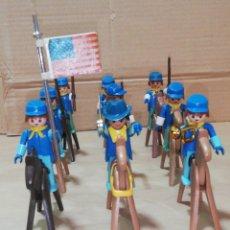 Playmobil: LOTE 9 SOLDADOS NORDISTA CON 9 CABALLOS CON BANDERA TROMPETA Y ARMAS MONTURA. Lote 248772350