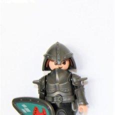 Playmobil: PLAYMOBIL MEDIEVAL FIGURA CABALLERO DEL CASTILLO AGUILA. Lote 254104465
