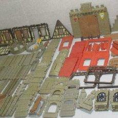 Playmobil: PLAYMOBIL-FAMOBIL GRAN LOTE PIEZAS CONSTRUCCIÓN CASTILLO MEDIEVAL. Lote 262875370