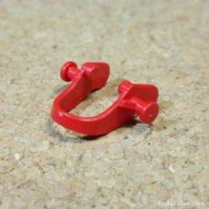 Playmobil: PLAYMOBIL ARNÉS ROJO CON ENGANCHES PARA PONY, ANIMALES GRANJA NIÑOS. Lote 295683058