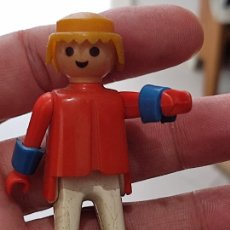 Playmobil: PLAYMOBIL BASICO ANTIGUO GEOBRA 1974 PANTALON MANCHAS BRAZALETES AZULES. Lote 267614359