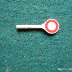 Playmobil: PLAYMOBIL SEÑALADOR DE MANO. Lote 269817158