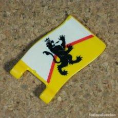 Playmobil: PLAYMOBIL BANDERA AMARILLA DEL LEÓN, ACCESORIOS MEDIEVAL CABALLERO. Lote 271497843
