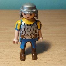 Playmobil: PLAYMOBIL MUÑECO HOMBRE SOLDADO MEDIEVAL OESTE CIUDAD. Lote 277081538
