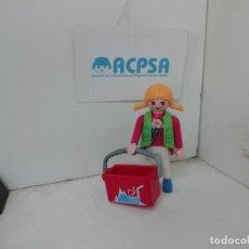 Playmobil: PLAYMOBIL MUJER CON CAJA DE REFRESCOS. Lote 278763173