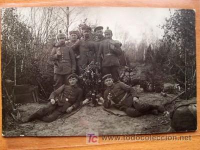 POSTAL FOTOGRÁFICA DE CONJUNTO PARECE QUE EN EL FRENTE CIRCULADA CON FECHA DE 1915 (Postales - Postales Temáticas - I Guerra Mundial)