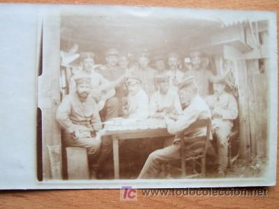 POSTAL FOTOGRAFICA DE CONJUNTO MILITAR ALGO BORROSA FECHADA EN 1916 (Postales - Postales Temáticas - I Guerra Mundial)