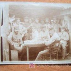 Postales: POSTAL FOTOGRAFICA DE CONJUNTO MILITAR ALGO BORROSA FECHADA EN 1916. Lote 22335223