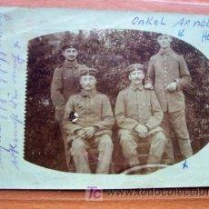 Postales: POSTAL FOTOGRAFICA DE GRUPO MILITAR MANUSCRITA Y CIRCULADA. Lote 16816611