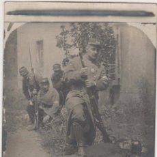 Postales: PORT-BOU. AGOSTO DE 1915.SOLDADOS FRANCESES POSAN CON ENEMIGO ALEMÁN ABATIDO. Lote 51564969