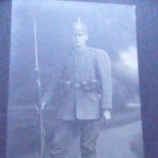 Postales: CPA TARJETA POSTAL SOLDADO SUIZO CIRCULADA 1896. Lote 88146520