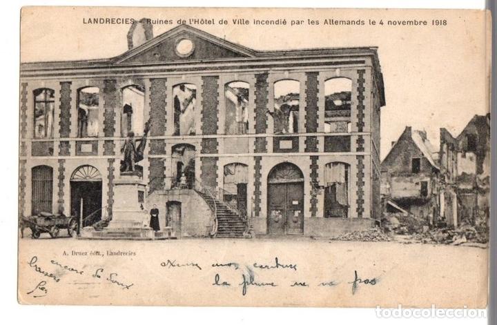 TARJETA POSTAL LANDRECIES. FRANCIA. RUINES DE L'HOTEL DE VILLE INCENDIÉ PAR LES ALLEMANDS 1918 (Postales - Postales Temáticas - I Guerra Mundial)
