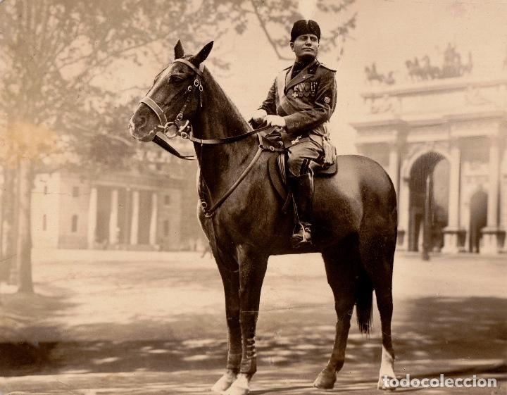 BENITO MUSSOLINI A CABALLO EN PLAZA DE ROMA. POSTAL FECHADA EN NOVIEMBRE DE 1936 (Postales - Postales Temáticas - I Guerra Mundial)