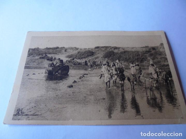 POSTAL LA GUERRA AU MAROC,TANKS TRAVERSANT (Postales - Postales Temáticas - I Guerra Mundial)