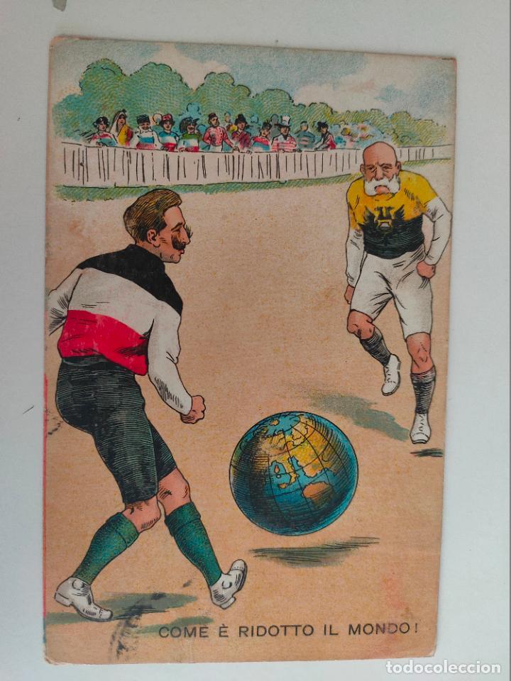 POSTAL ITALIANA 1ª GUERRA MUNDIAL. JUGANDO FUTBOL CON BOLA DEL MUNDO. 1915 (Postales - Postales Temáticas - I Guerra Mundial)