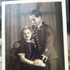 Postales: FOTO POSTAL OFICIAL CON DISTINTIVO ESPECIALISTA COHETES CIRCULADA 1940. Lote 33636458