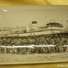 Postales: FOTOGRAFÍA DE ÉPOCA. NÁPOLES PARTIDA DE TROPAS. Lote 104083579