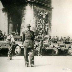 Postales: LIBERACIÓN DE PARÍS- AÑO 1944-EL GENERAL KOENIG EN EL ARCO DE TRIUNFO- FOTOGRÁFICA- RARA. Lote 109691879