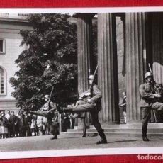 Postales: POSTAL PROPAGANDA NAZI, DESFILE MILITAR EN EL TERCER REICH.. Lote 161856002