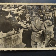 Postales: POSTAL MILITAR HITLER SEGUNDA GUERRA MUNDIAL. PROPAGANDA NAZI ALEMANA.. Lote 225488540