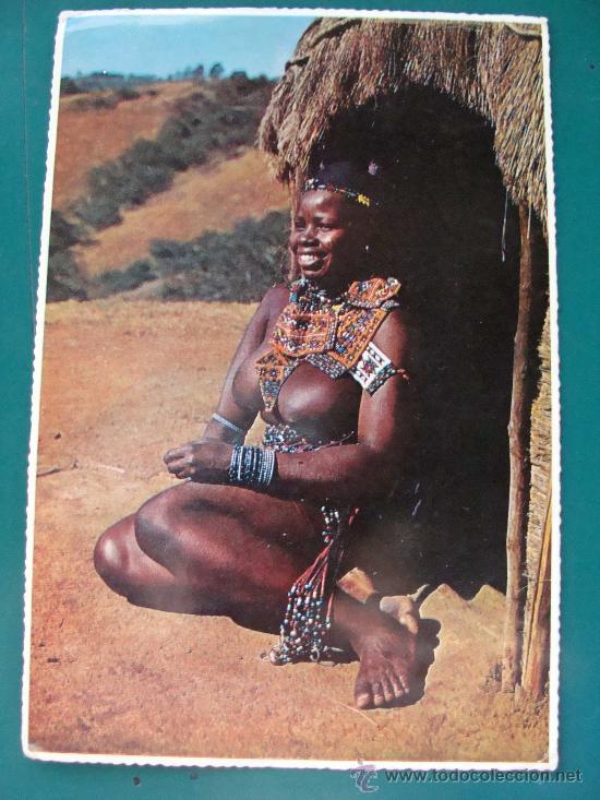 POSTAL DE SUDÁFRICA. AÑOS 70 - 80. MUJER TRIBU DESNUDA. ÉTNICA. 859. (Postales - Postales Extranjero - África)