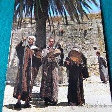 Postales: MARRUECOS-ENCANTADOR DE SERPIENTES-70'. Lote 26270472