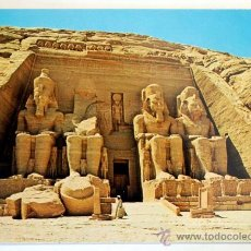 Postales: EGIPTO. ABU SIMBEL. THE STATUES OF RAMSES IN FRONT OF THE GREAT TEMPLE.. Lote 27645501