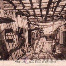Postales: TETUAN, CALLE TÍPICA DE BABUCHEROS. Lote 29822110