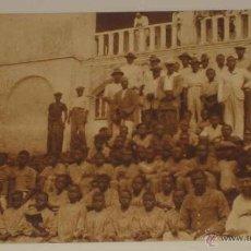 Postales: ANTIGUA POSTAL DE GUINEA CONTINENTAL - ALUMNOS DE LA MISION DE CABO SAN JUAN - ED. PUBLICACIONES PAT. Lote 38256552
