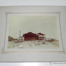 Postales: ANTIGUA FOTOGRAFIA ALBUMINA DE LUANDA, ANGOLA, TALLERES DE FERROCARRIL O TRANVIA EN CONSTRUCCION, LA. Lote 38278651