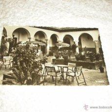 Postales: TANGER .HOTEL MINZAH . EL PATIO . CIRCULADA. ED LA CIGOGNE. Lote 49641600