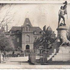Postales: SAIDA. ORAN. LE MONUMENT DE LA LEGION ET LA MAIRIE. 1951. Lote 156989962