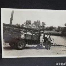 Postales: TARJETA POSTAL DE AFRICA. JO HONG, KHOEN, MET VRACHIAUTO VOOR DE KAMBAN ROERIVIER.. Lote 190123740