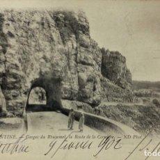 Postales: TARJETA POSTAL. ARGELIA. CONSTANTINE.- GORGES DU RHUMMEL. LA ROUTE DE LA CORNIEBE. ND PHOT. . Lote 190204767