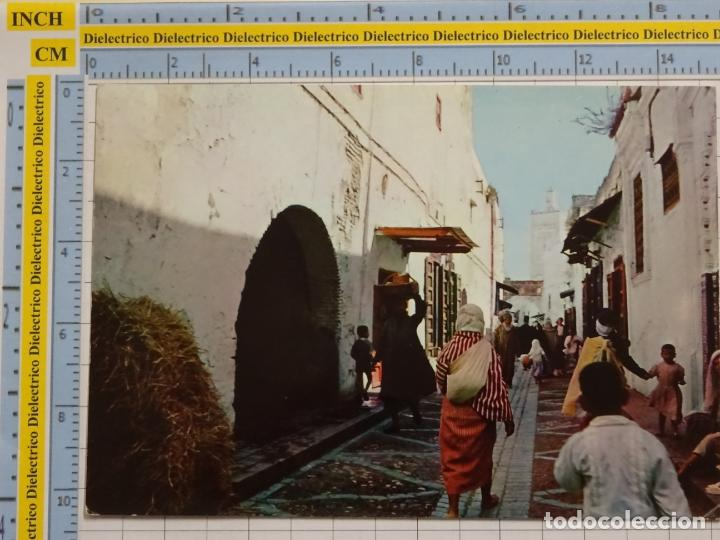 POSTAL DE MARRUECOS. AÑO 1965. TETUÁN CALLE TÍPICA KASBA. 73 (Postales - Postales Extranjero - África)