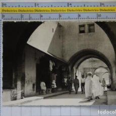Postales: POSTAL DE MARRUECOS. AÑOS 30 50. CASABLANCA RUE DE LA NOUVELLE MEDINA. 945. Lote 210228802