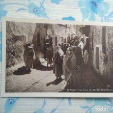Postales: POSTAL FOTOGRAFIA N 130 TETUAN , UNA CALLE DEL BARRIO MORO. Lote 244679680