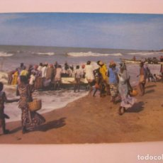 Postales: POSTAL DE AFRICA. COULEURS D'AFRIQUE. CIRCULADA DESDE GAMBIA.. Lote 279473288