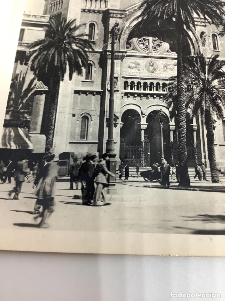 Postales: TÚNEZ, TUNIS, La Cathedrale. Lina. Foto real. cIrculada 1951. - Foto 2 - 288567088