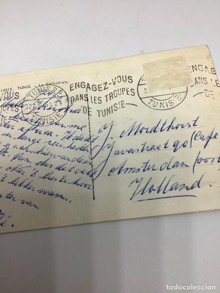 Postales: TÚNEZ, TUNIS, La Cathedrale. Lina. Foto real. cIrculada 1951. - Foto 3 - 288567088